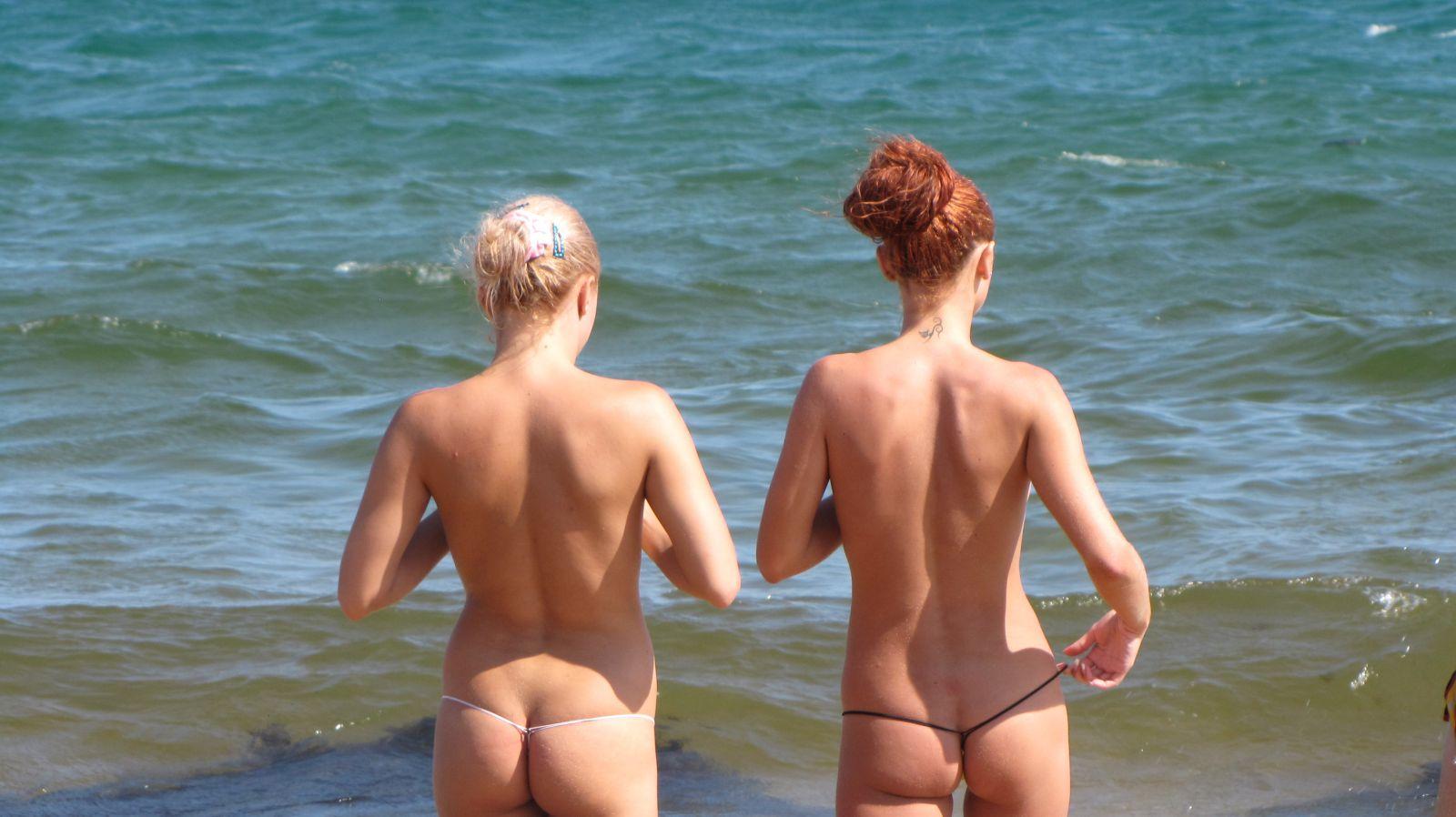 Смотреть как себя ведут на нудиских пляжах 22 фотография
